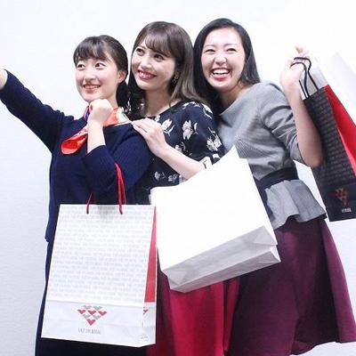 Square_katsudo-hokoku_ssb201610_toprady